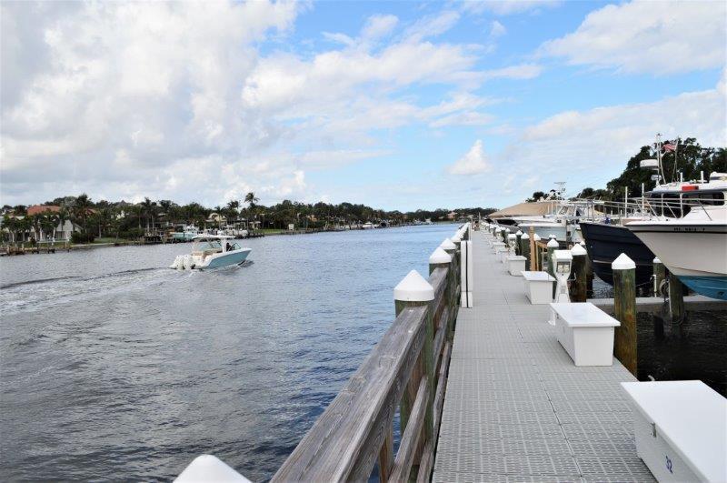 611 Bay Colony Drive S, Juno Beach, FL 33408