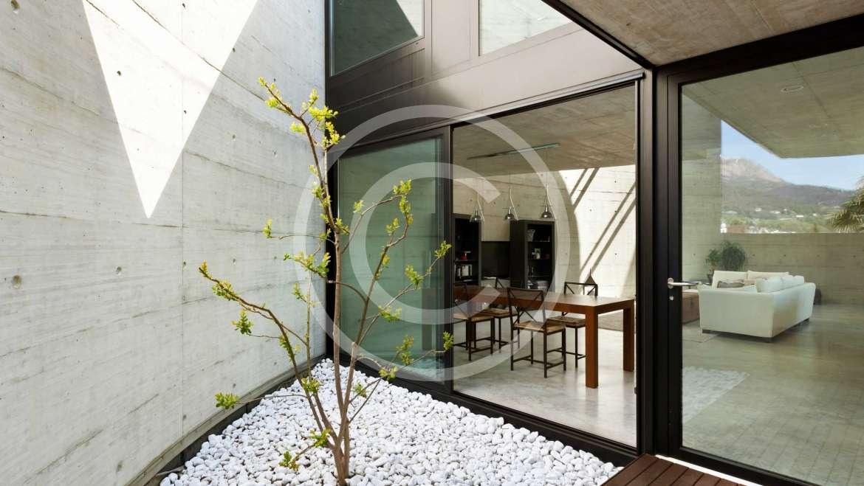 Classic Black, White and Gold Interiors